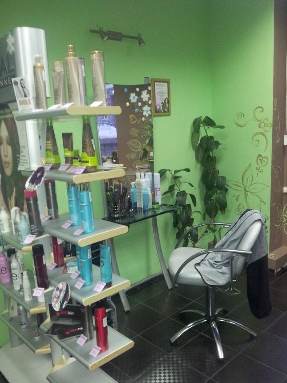 Вы просматриваете изображения у материала: Brendi, лаборатория красивых волос и ногтей